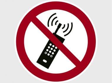sticker-gebruik-mobiele-telefoon-verboden-p013-iso-7010Artboard 1-80