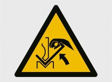 sticker-handbeknelling-tussen-buigplank-w031-iso-7010Artboard 1-80